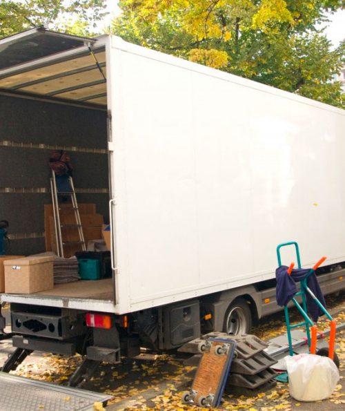 Reformas integrales en Alcala de Henares mudanzas y transportes un camión