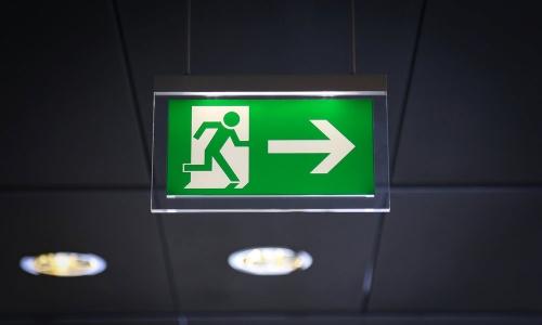 Reformas integrales en Alcala de Henares alumbrado de emergencia